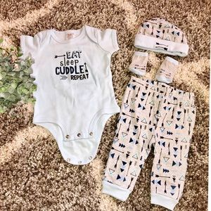Adorable 'Eat Sleep Cuddle Repeat' Baby Outfit